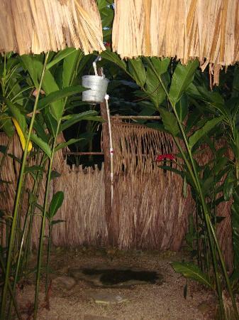 Sun Creek Lodge: Shower