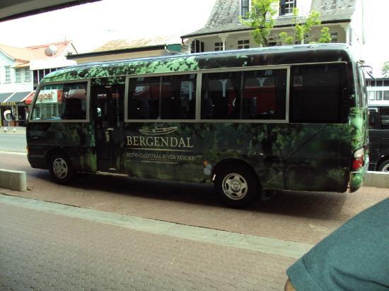 Bergendal Eco & Cultural River Resort: Bus from Paramaribo to Bergendal