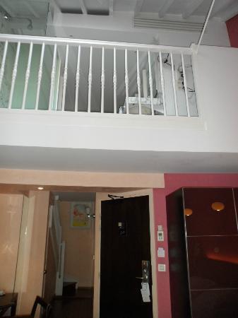 Artus Hotel by MH: chambre/ suite, vue depuis la chambre