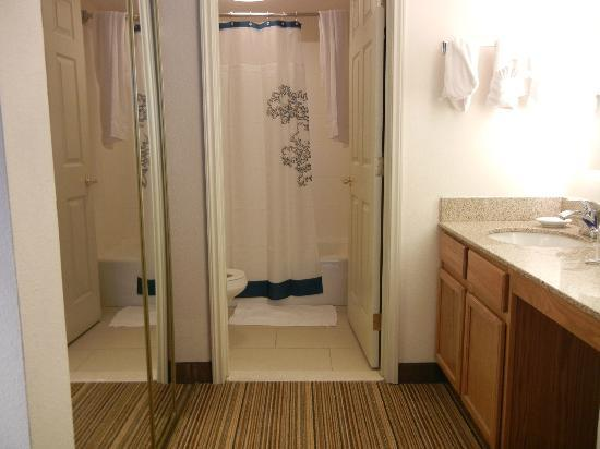 Residence Inn Austin South: Bathroom