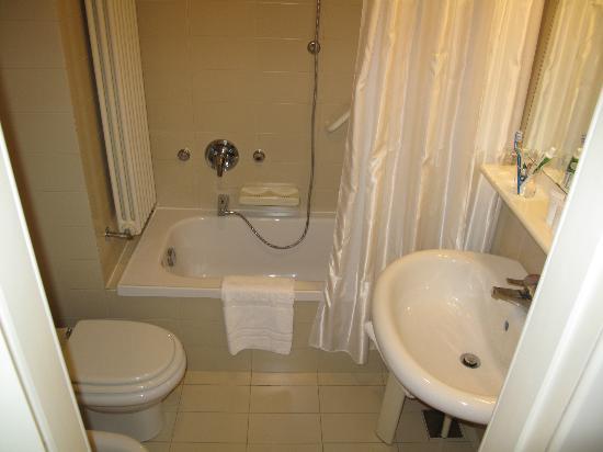 Tenda Vasca Da Bagno Angolare : Tenda vasca da bagno cool starhotels cristallo palace vasca con