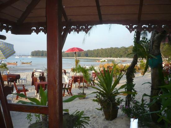 L'esprit de Naiyang Resort: Strandrestaurant