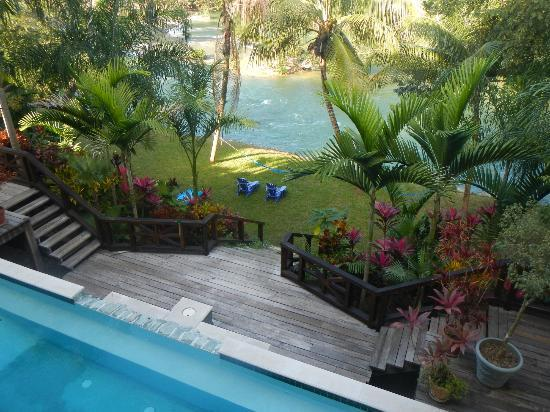 Mahogany Hall Boutique Resort: View of Mopan River from hotel