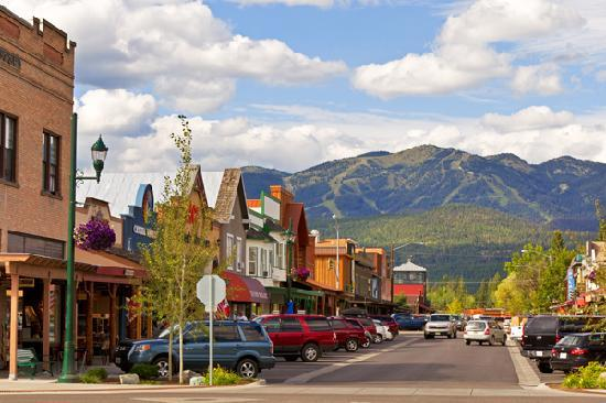 Downtown Whitefish (© ChuckHaney.com / Whitefish CVB)