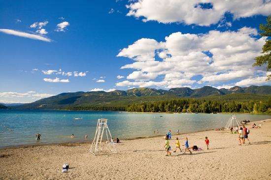 Whitefish City Beach, Whitefish Lake (© ChuckHaney.com / Whitefish CVB)