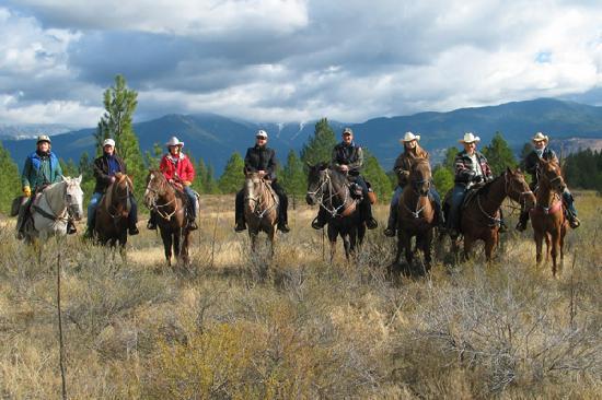 Horseback riding (Courtesy Bar W Guest Ranch / Whitefish CVB)