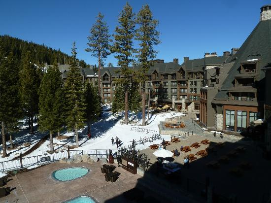 The Ritz-Carlton, Lake Tahoe: Slope side