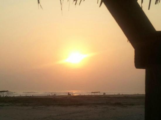 La Herradura, Ελ Σαλβαδόρ: Atardecer en la playa del Bahia del Sol
