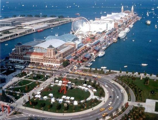 Shot from hotel navy pier picture of chicago shakespeare for Nice hotels downtown chicago