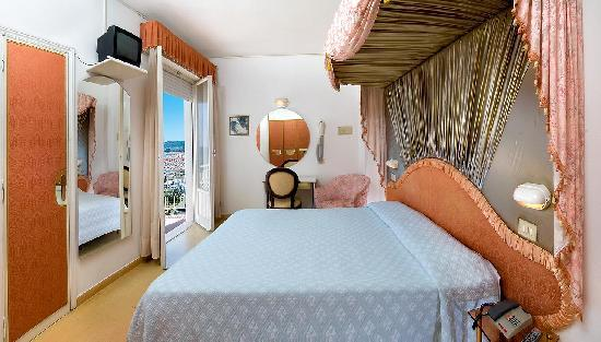 Hotel Baia Marina: camera