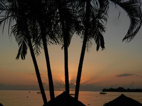 Sandals Negril Beach Resort & Spa: Sunset.