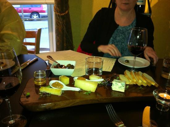 Market Table Bistro: cheese plate