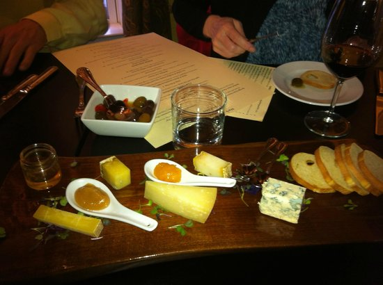 Market Table Bistro: cheese plate and olives (after we'd dug in)