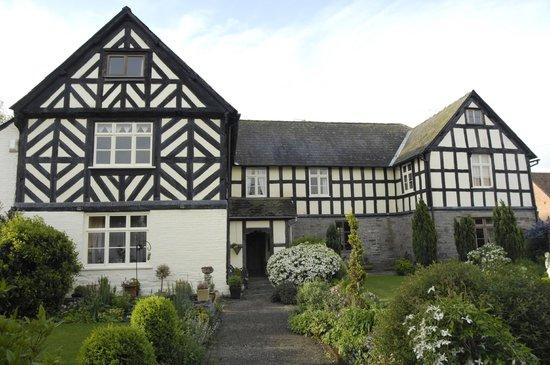 Winforton Court: Exterior front
