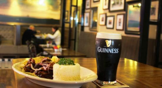 Talbots Seafood Bar: Great Guinness...