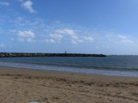 Golden Sands Villas: at the beach