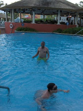 Golden Sands Villas: at the pool