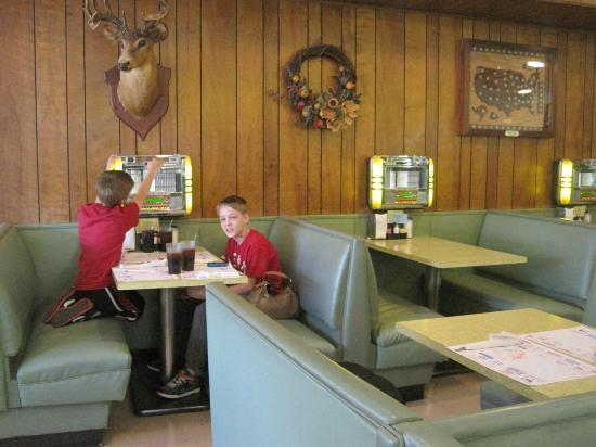 Southern Kitchen: A nice buck to watch over you while you eat!