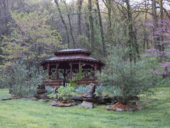 Butterfly Hollow - A Hidden Retreat: The gazebo, where we had our ceremony