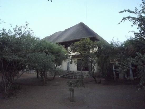 Bushwise Safaris: View of the back of Bushwise