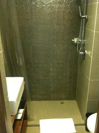 Best Western Hotel Causeway Bay: Bathroom in Guest Room #2102