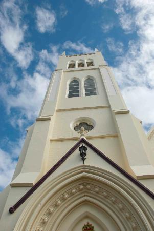 St Pauls Presbyterian Church: Looking up at the massive church tower