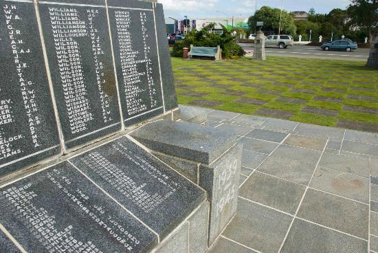 Names of honour on the Invercargill Cenotaph