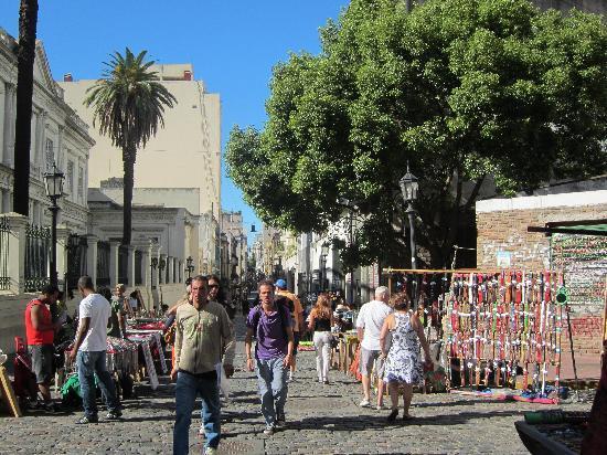 Moreno Hotel Buenos Aires: San Telmo Sunday Market