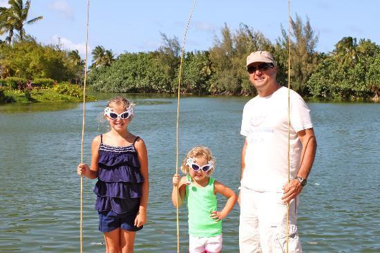ماريوتس كاواي لاجونز: Family Fishing with Mailani
