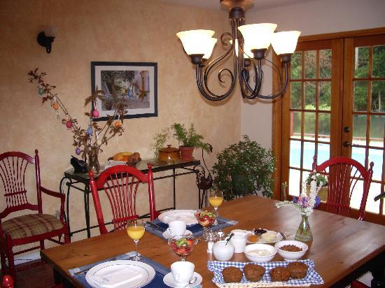 Rosemarie's Guest House B&B: Dining Room