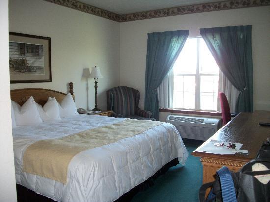 The Van Buren Hotel at Shipshewana : Single King Room