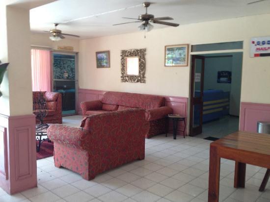 Negril Beach Club: Lobby