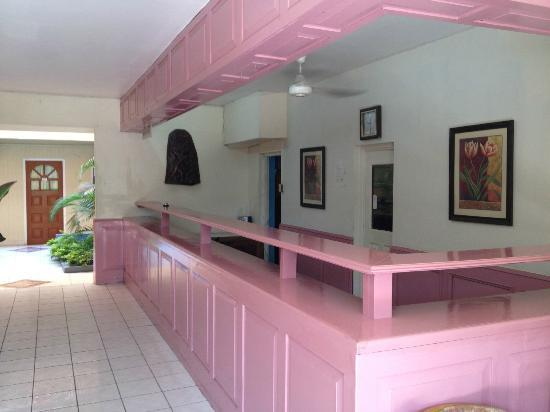 Negril Beach Club: Front Desk