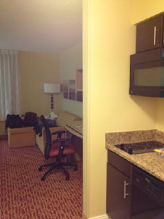 TownePlace Suites Pensacola : kitchenette with 2 burners