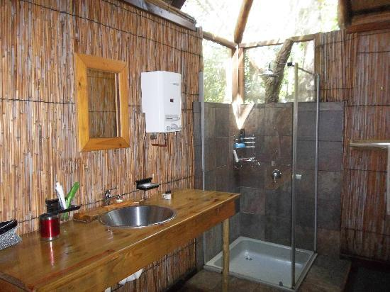 Makhasa Game Reserve and Lodge: Bathroom