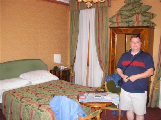 Hotel San Zulian: Room