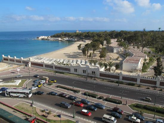 Sheraton Montazah Hotel : Stunning view of the beach
