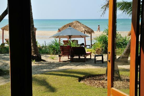 The Emerald Sea Resort: View of the beach from Bungalow 115