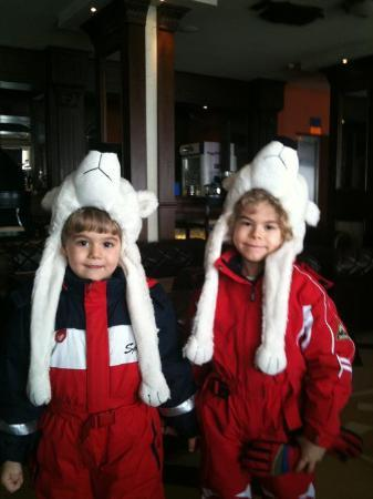 Panorama Resort: Cute guests going skiing :)