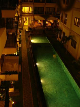 Kuta Townhouse Apartments: Pool number 2 from our balcony