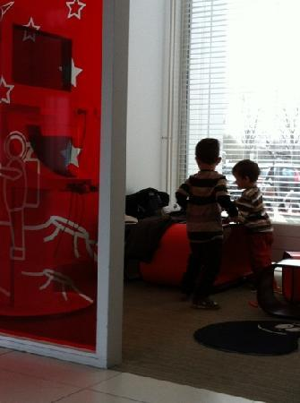 Novotel Rotterdam Brainpark: play room