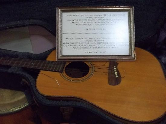 Hotel Nacional de Cuba: Peter Framptons Guitar