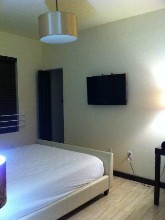 Tradewinds Apartment Hotel: camera da letto