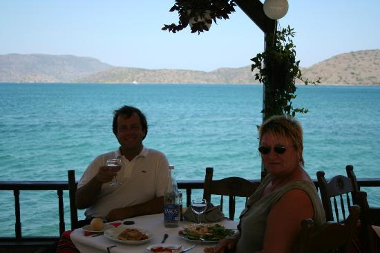 Olondi Restaurant: Janis with Eileen. An afternoon at the Olundi