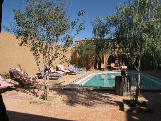Auberge Camping Sahara: the swimming pool