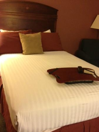 Greenstay Hotel & Suites: second bed
