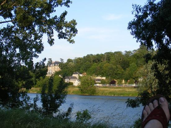 Camping de l'Ile d'Or: View across the Loire from campsite