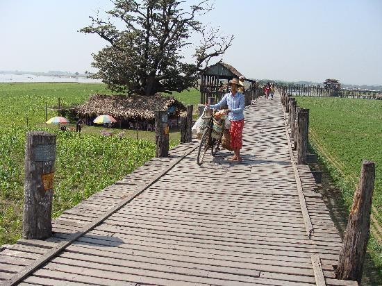 Puente U Bein: El Puente de Teca