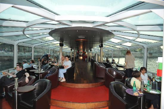paris en scene diner croisiere all you need to know before you go with photos tripadvisor. Black Bedroom Furniture Sets. Home Design Ideas