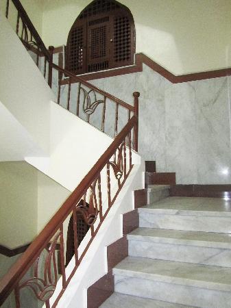 Arabian Nights: Staircase